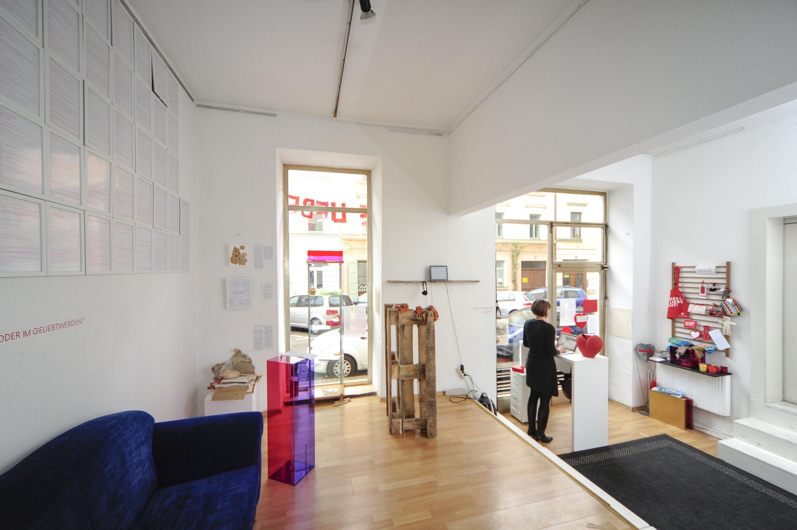 Ausstellung Musuem der Liebesobjekte München Galerieraum