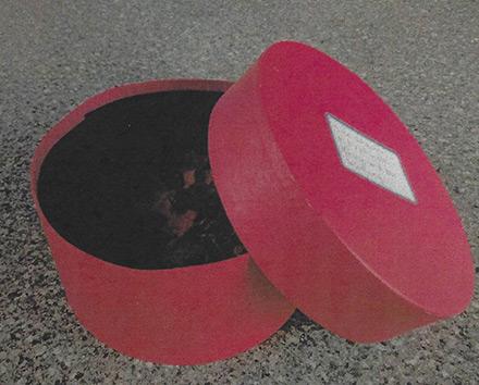 Rote Schachtel